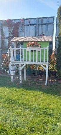 Ogrodowy drewniany domek dla dzieci