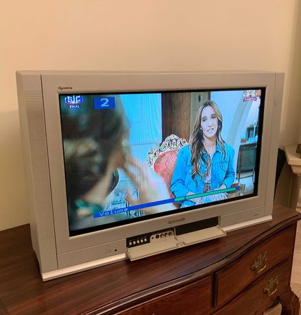 TV Panasonic Quintrix TX-32PL10F/M c/ comando original (ótimo estado)