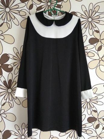 Чорне з білим плаття