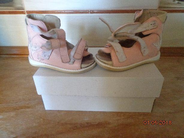 Продам ортопедичне взуття.