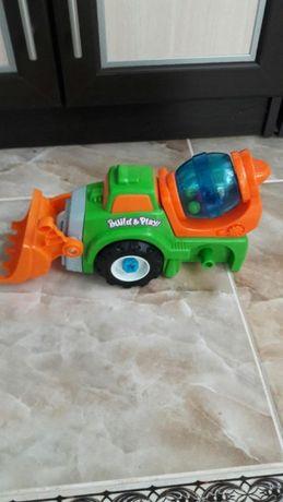 Трактор іграшковий