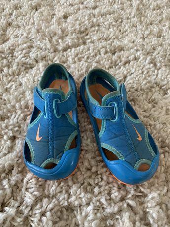 Сандали Nike, аквашузы в бассейн или на море