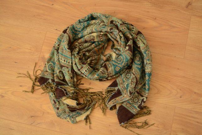 Reserved - szal, wzór jesień/ zima