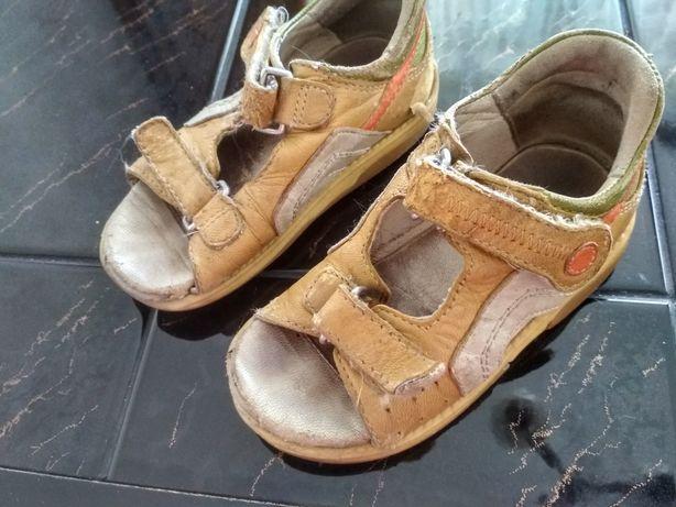 Sandały chłopięce r 24