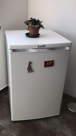 Mini frigorífico poucos meses de uso