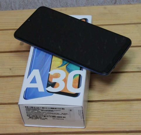Samsung Galaxy A30 3/32Gb 2019 Blue, в идеале с комплектом
