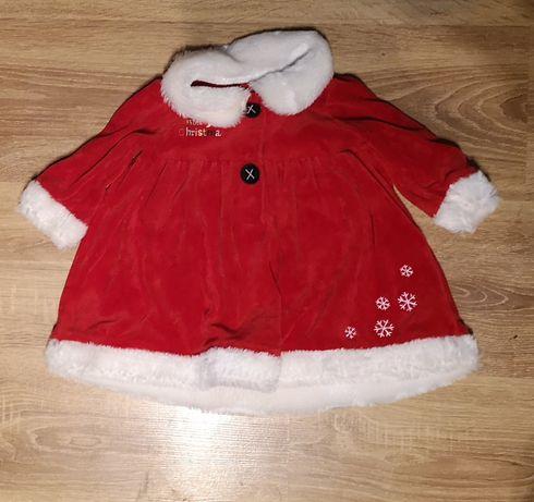 Sukienka na święta czerwona z białym miękkim obszyciem rajstopki białe