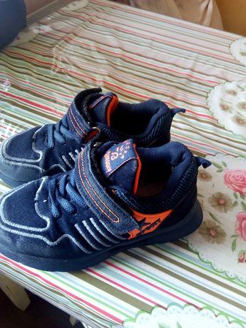 Продам кросовки мальчик