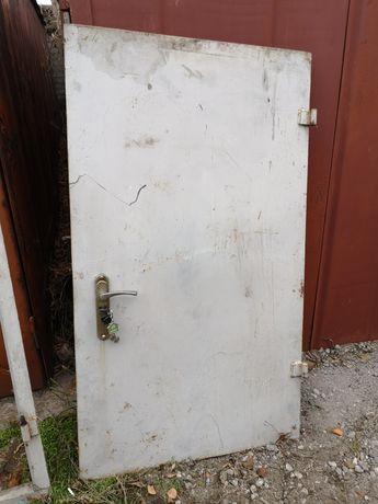 Железные Двери. Ляда. Лаз.