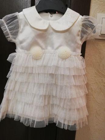 Нарядное платьице на девочку 3-6мес