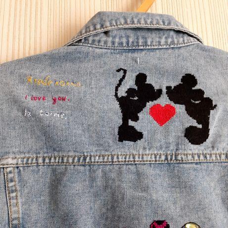 Пиджачок джинсовый с ручной вышивкой)