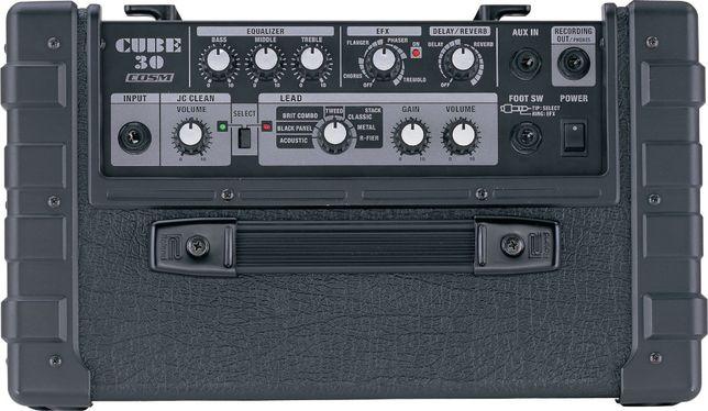 усилитель «Roland CUBE-30 COSM» Футсвич в комплекте.