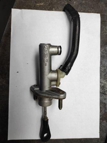Главный цилиндр сцепления наKia Magentis2005-2008 г.в.