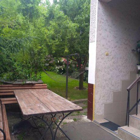 Продається будинок на 6 сот. землі по вул .Ходорывській