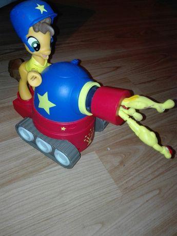 Kucyk My Little Pony z armatą