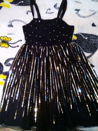 Нарядное платье с пайетками на девочку