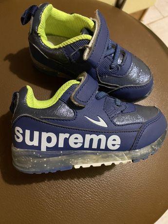 кроссовки, туфли Supreme 24 мигают светятся