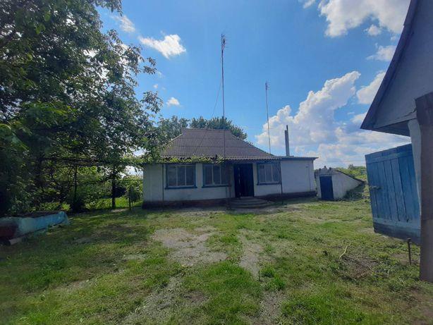 Дом с участком недалеко от Киева