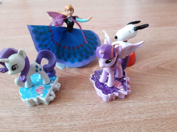 kinder maxi figurki My Little Pony Frozen Kraina Lodu Snoopy Fistaszki