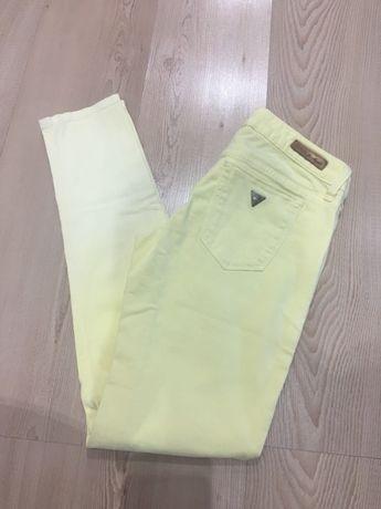 Spodnie żółte GUESS rozm. 27
