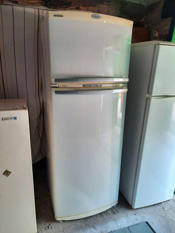 Продам холодильник вирпул в хорошем состоянии