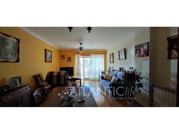T2 para arrendamento com terraço, suíte e garagem