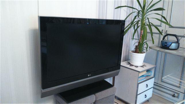 """Telewizor LG LCD 42"""" Z HDD 80 GB"""