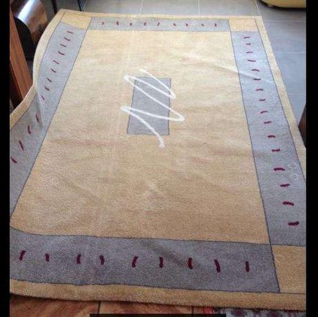 Carpete (COMO NOVA) Oportunidade