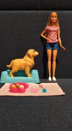 Barbie lalka z psem który rodzi szczenięta