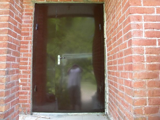 Входные двери, металлические двери, бронированные двери