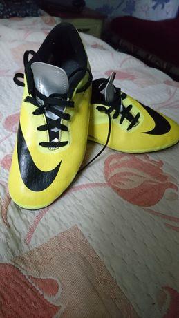 Футбольні бутси Nike дитячі
