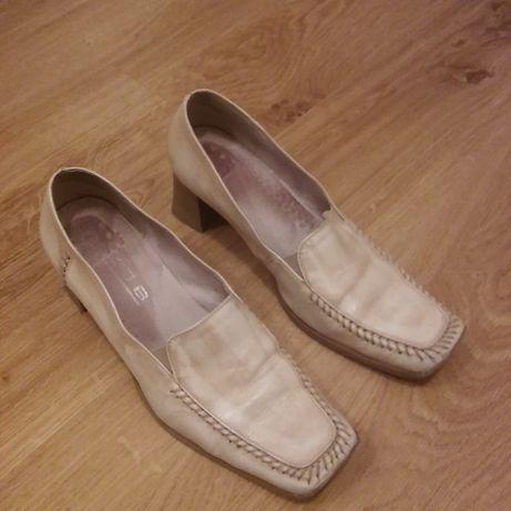 Oddam beżowe buty skórzane rozmiar 38.