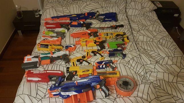 Kolekcja karabinów i pistoletów nerf