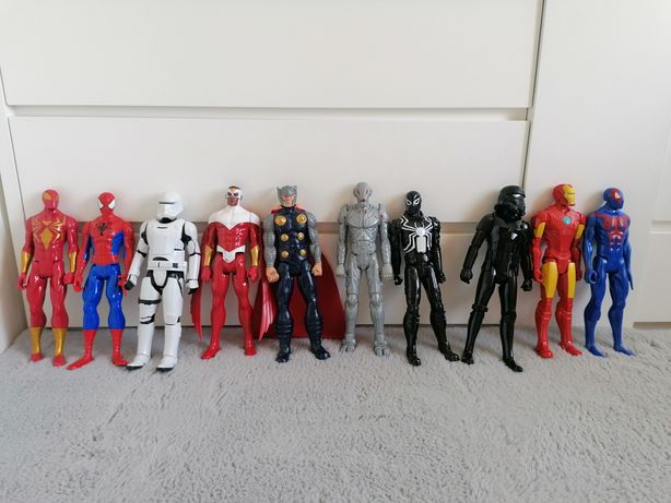 13 Super heróis em estado completamente novo