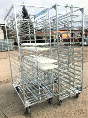 Wózek do transportu jaj na tacach