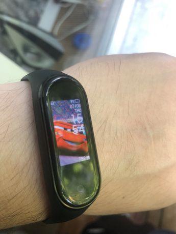Часы MiBand 4