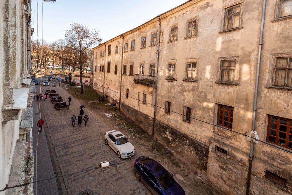 Апартаменти в центрі міста на вул. Лесі Українки-1