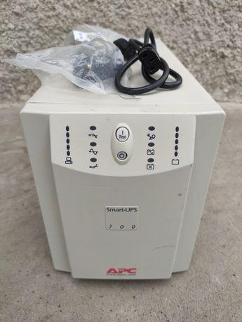 ИБП APC Smart-UPS 700-1400VA SU700X167 преобразователь 230-120В чсинус