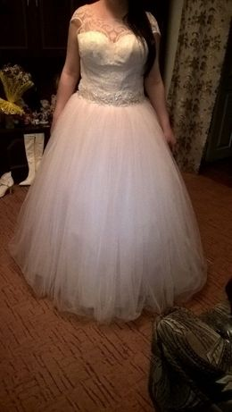 свадебное платье на прокат (800грн)