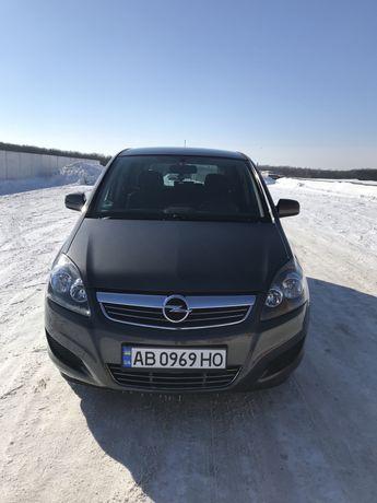 Opel Zafira 1.8 бензин 2011 рік
