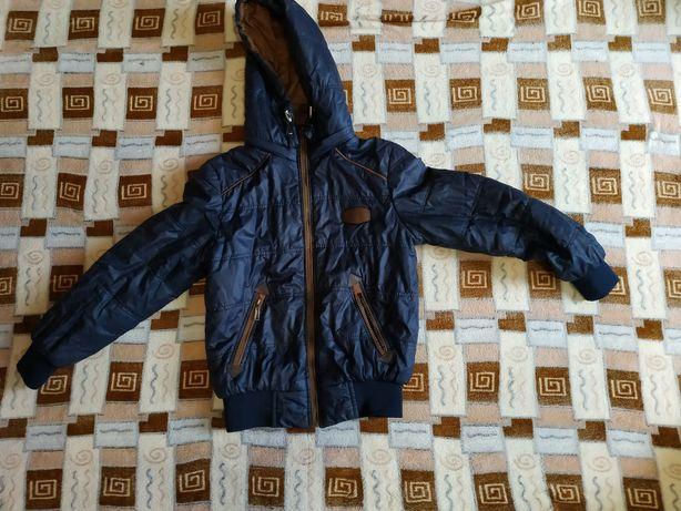 Продам куртку (весна осень)