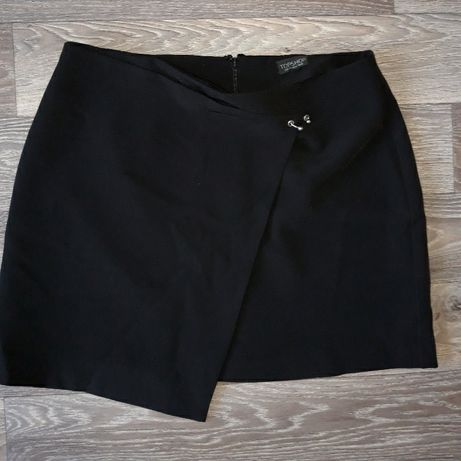 Черная юбка с украшением септум