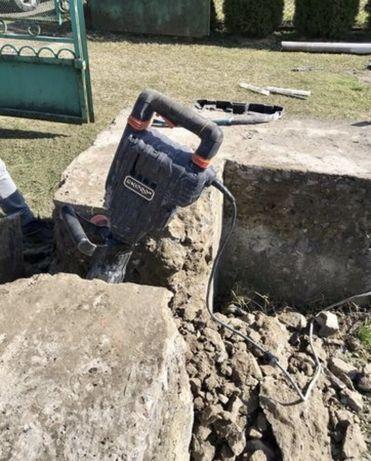 Демонтаж будинків,стяжки, бетону.Копання траншей.Вивіз сміття.