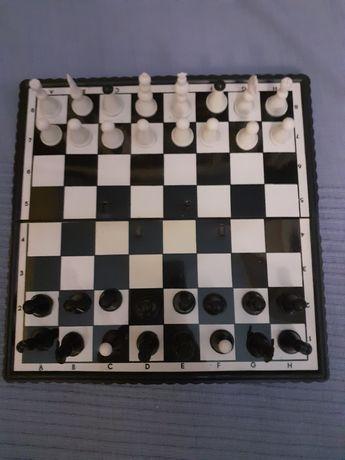 Gra szachy magnetyczne mini, unikat