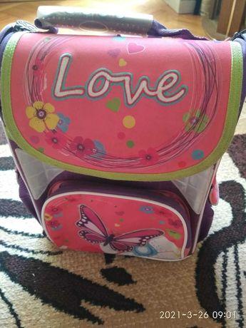 Школьный рюкзак с бабочками-ортопедическая спинка-качественный. яркий