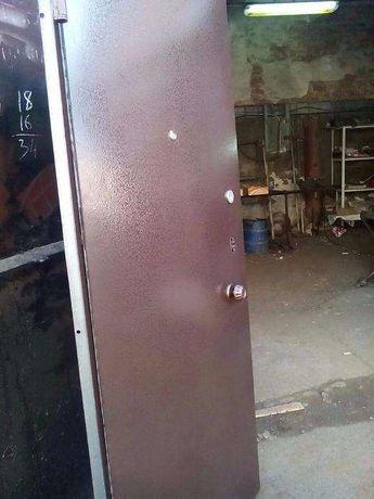 Новые входные двери металлические