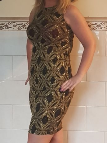 Brokatowa sukienka