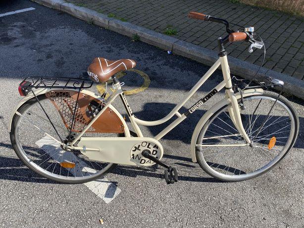 Bicicleta de passeio como nova