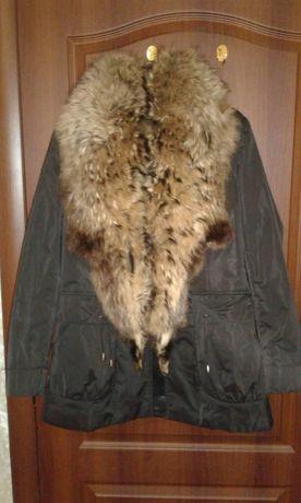 Продам женскую зимнюю куртку с натуральным мехом 2XL. Кролик, пуховик.