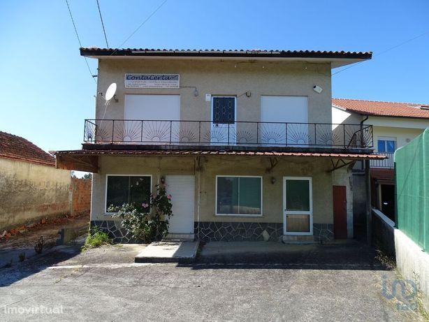 Moradia - 240 m² - T13